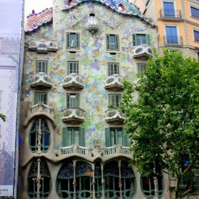 Barcelona Spain Day 2: Touring with Bus Turistic & Dinner at Los Caracoles