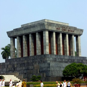 Hanoi Day 3: One Pillar Pagoda, Ho Chi Minh's tomb, Temple of Literature & endless Food Trail