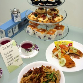 Themed Parties: Tea Party this round!